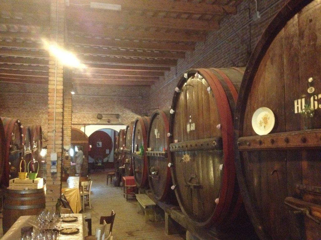 Antica Cantina Sant'Amico in Morra d'Alba