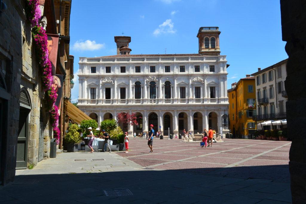 Piazza Vecchia How to Spend One Day in Bergamo Italy DSC_0355