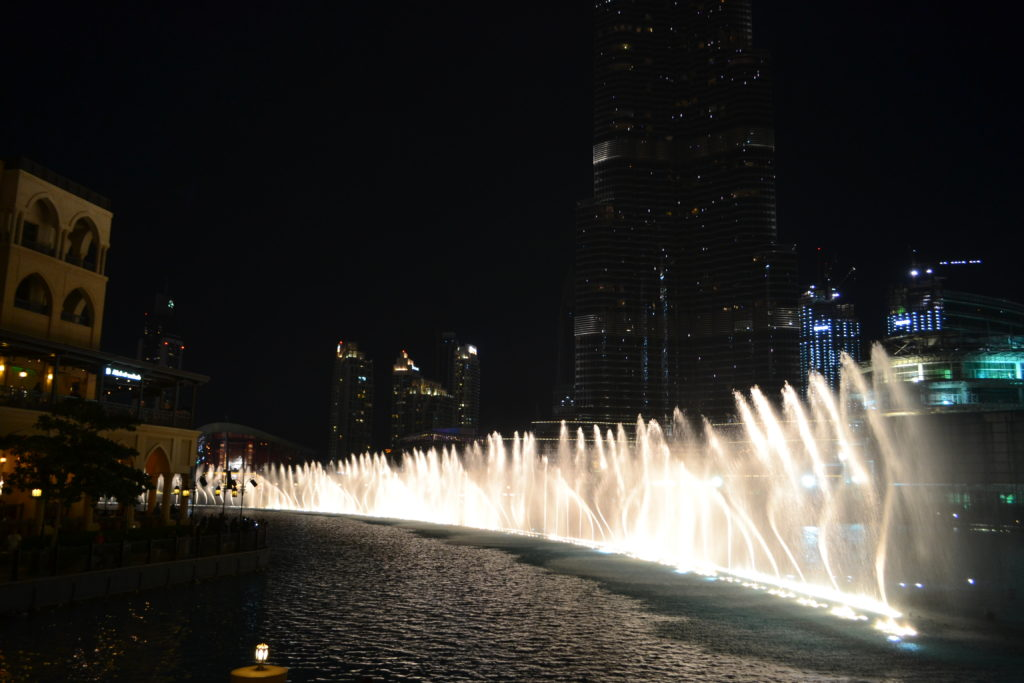 Dubai Fountain Dubai Mall UAE Best Light Shows Around the World DSC_0060